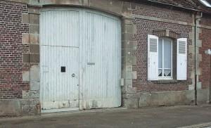 judas-dans-porte-cochere-487-l638-h387-c