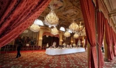 une-salle-de-reception-de-l-elysee-en-date-du-9-septembre_950018_490x290